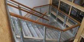 Innv. trapp med tre håndløper
